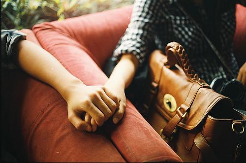 bpics,love,hands-d23b9ae4941bcf0244bcf69326dcddc7_h.jpg