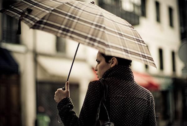 burberry rain HR.jpg