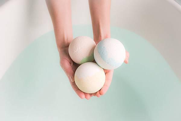 balls-bath-bath-bombs-374039-2.jpg