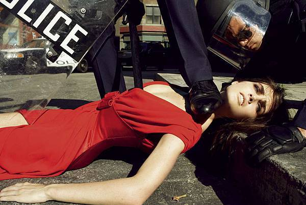 state-of-emergency-by-steven-meisel-3.jpg