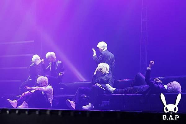 2012.01.28 B.A.P Showcase 3.jpg
