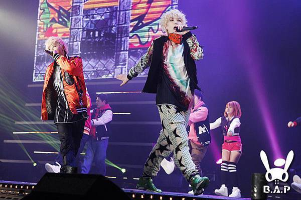 2012.01.28 B.A.P Showcase 7.jpg