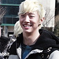 120217 B.A.P - Music Bank 上班圖飯拍 10P-3
