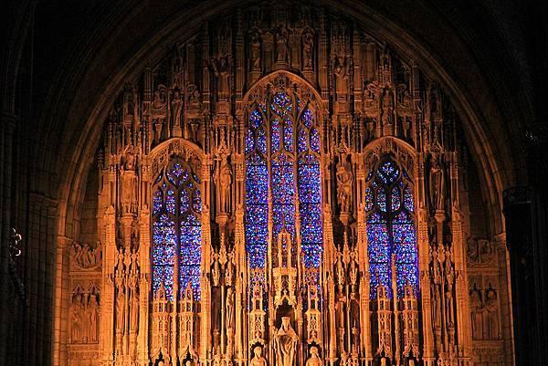 1024px-USA-NYC-St_Thomas_Church1