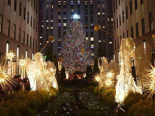 christmas-tree-at-rockefeller-center-in-new-york