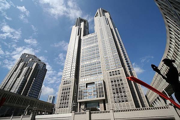 800px-TokyoMetropolitanGovernmentOffice