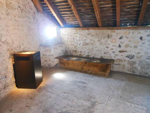 25-當時算起來是城堡裡最豪華的廁所.jpg