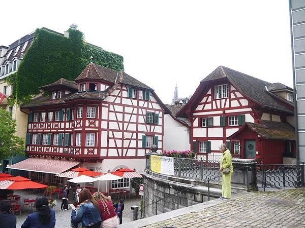 12-Hotel zum Rebstock經營的餐廳,賣劉森傳統料理.JPG