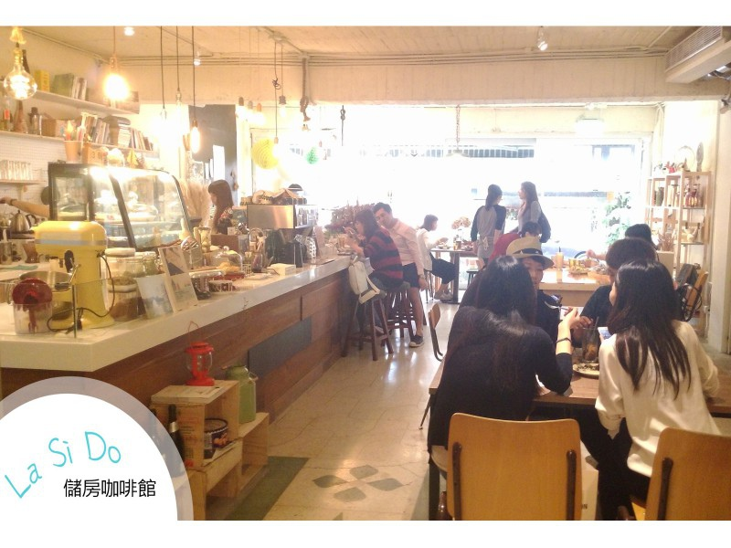 【台北市大安區】儲房咖啡 ♥ 充滿花藝氣息 瀰漫空氣中的小清新 (5).jpg