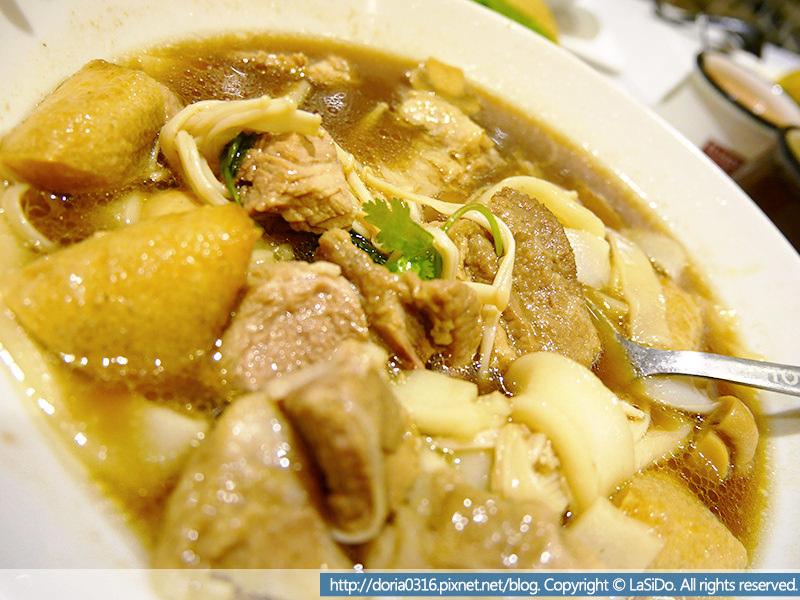吐司工坊-新加坡肉骨茶湯配河粉01