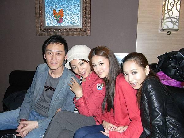 TIGER+YUKI+紀妍+沛汝