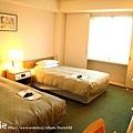 房間很小,但對他們日本來說算大了