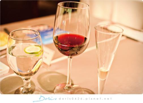 招待紅酒.jpg