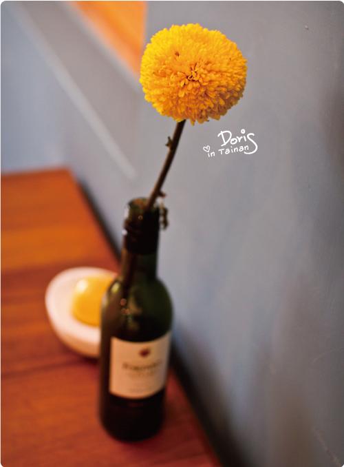 桌上的花.jpg