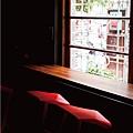 窗邊座位.jpg