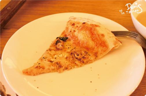 單片鮪魚披薩.jpg