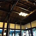 店內-屋頂.jpg