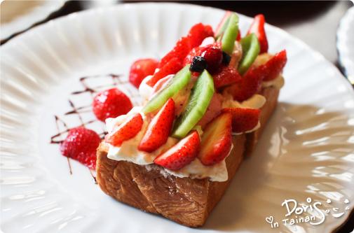 鹿早茶屋-草莓森林蜜糖吐司1