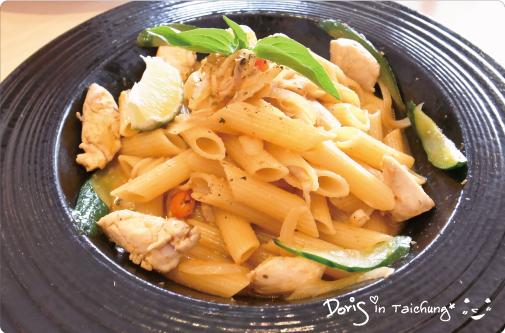 洋風義大利餐廳-泰式酸辣什錦海鮮管麵