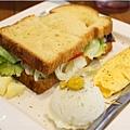 2014-06-21AWAY017-日耳曼三明治-匈牙利牛肉.jpg
