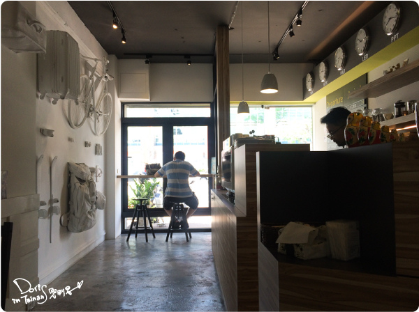 2014-06-21AWAY024-店內.jpg