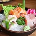 吉田日本料理-綜合生魚片.jpg