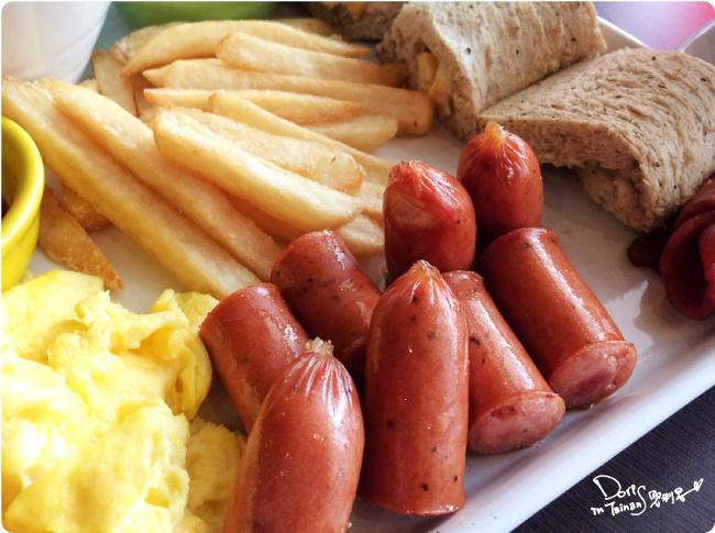 2015-04-18BRICK磚塊早午餐-德式香腸.jpg