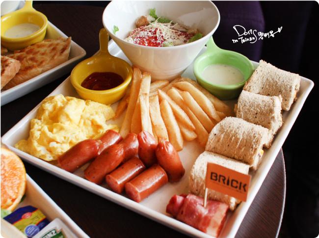 2015-04-18BRICK磚塊早午餐-德式香腸套餐.jpg