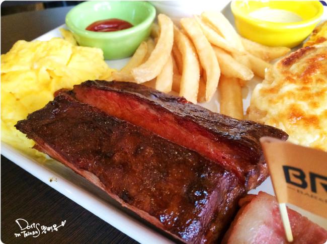 2015-04-18BRICK磚塊早午餐-豬肋排.jpg