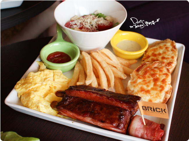 2015-04-18BRICK磚塊早午餐-豬肋排套餐.jpg