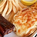 2015-04-18BRICK磚塊早午餐-豬肋排-焗烤法國麵包.jpg