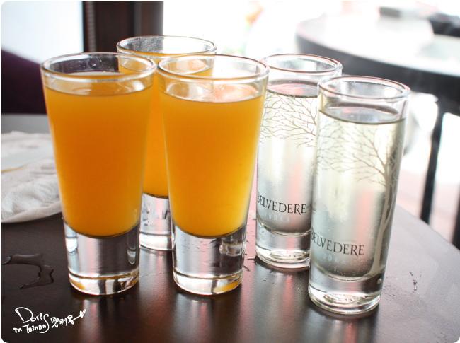 2015-04-18BRICK磚塊早午餐-餐前酒.jpg