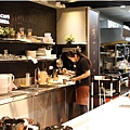 黑浮咖啡-店內02.jpg