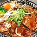 炙燒牛肉丼.jpg