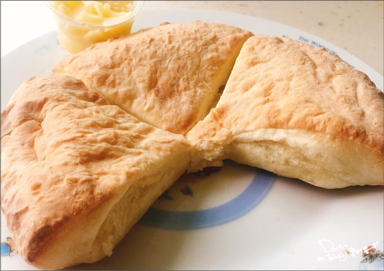 AntPIZZA-特製手工麵包1.jpg