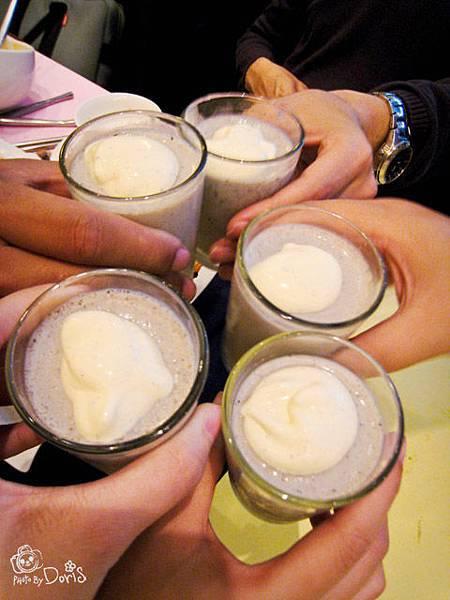 大家來乾杯