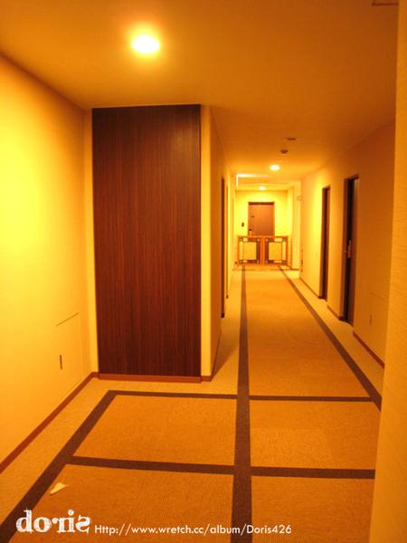房間外的走廊