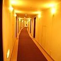 飯店走道是弧形的