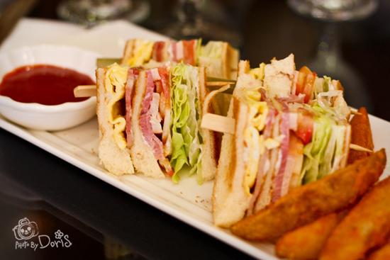總匯三明治吃的超飽