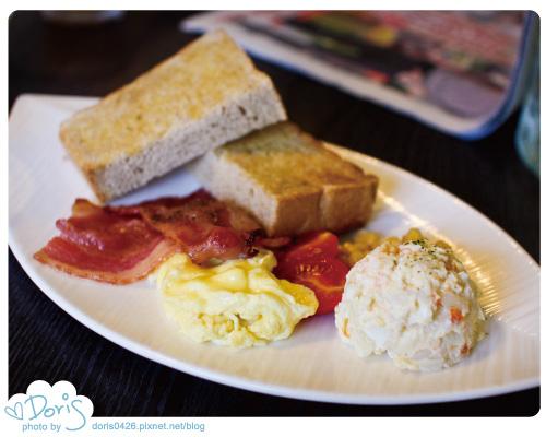 A餐-培根蛋+黑麥麵包.jpg