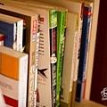 一堆很另類的書