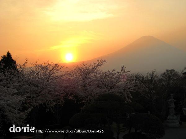 夕陽下的富士山
