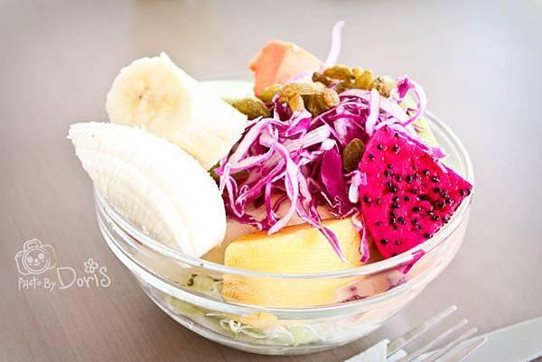 套餐附贈的千島醬沙拉.jpg