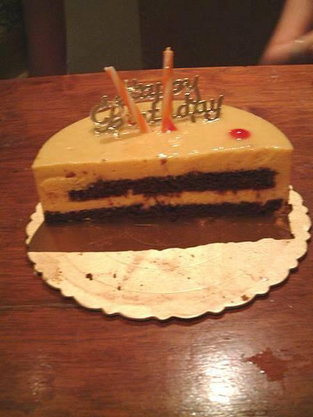 芒果慕斯蛋糕剖面圖