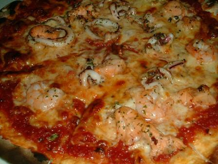 海鮮披薩近照超多料