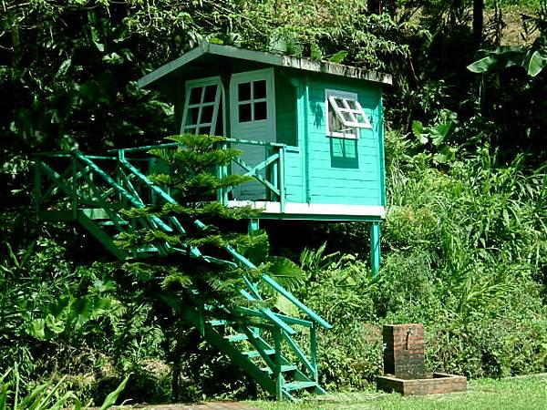 露營場旁的小木屋(裡頭只有榻榻米)