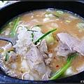 豬肉湯本身比較清淡,所以很適合搭配重口味的小菜,加入白飯好吃~
