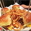機場內的Chili's too,漢堡比較好吃....
