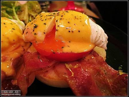 蕃茄培根班尼迪克蛋
