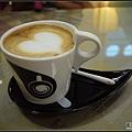 2014/07/03機場等待check-in時來杯咖啡